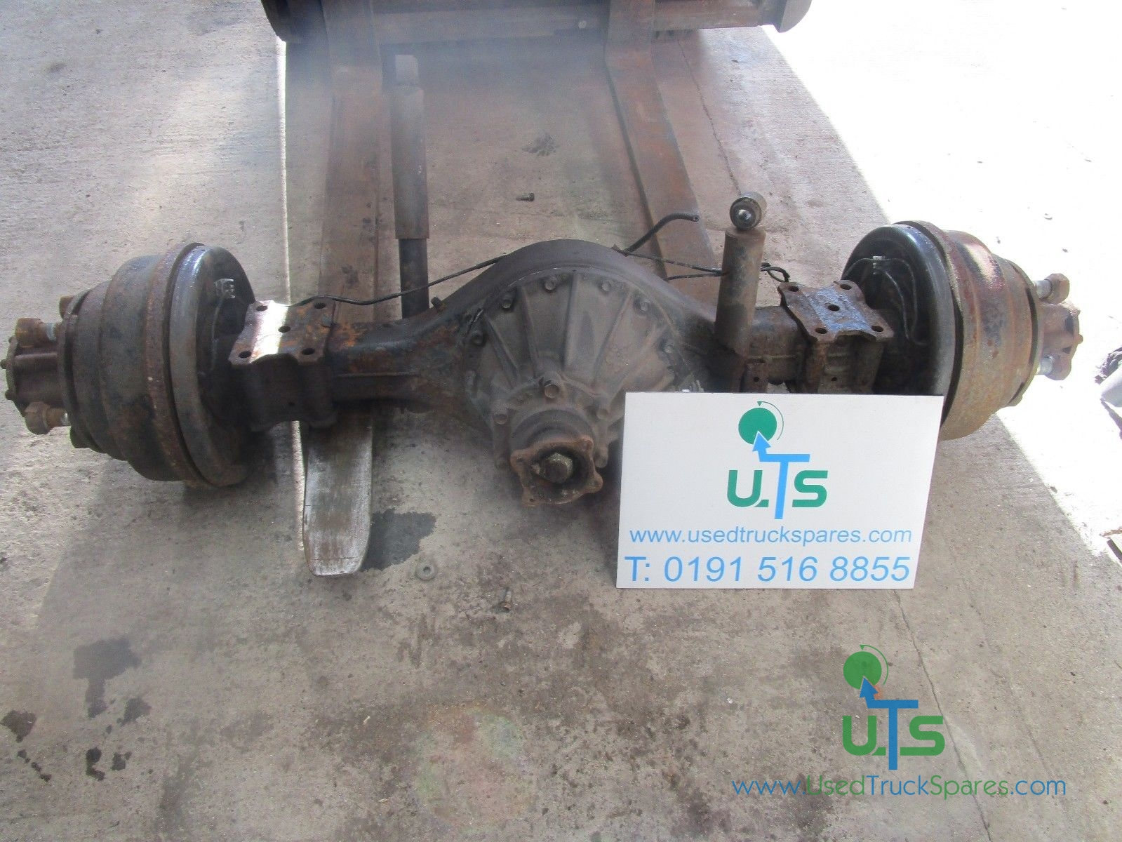 ISUZU NKR 5 STUD REAR AXLE