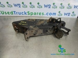 ISUZU N75 190 REAR CAB MOUNTING + LOCK