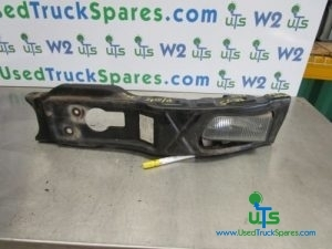 ISUZU N75 190 BUMPER / FOG LIGHT BRACKET - PASSENGER SIDE