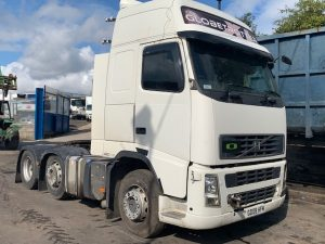 Volvo FH13 480 Tractor Breaking for Spares